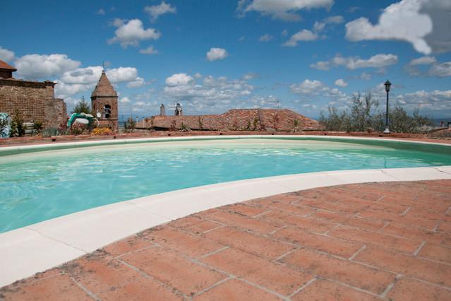 villa con piscina in luogo tranquillo. Tra Pisa Volterra e vicino al mare