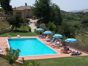 Agroturismo con piscina entre pisa y siena cerca del mar for Casas vacacionales con piscina